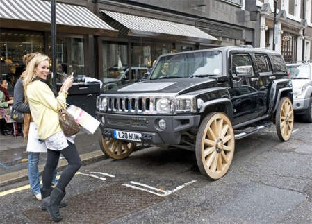 hummer-with-wooden-wheels